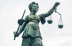 Keine Musterfälle und Prädenzfälle im deutschen Recht