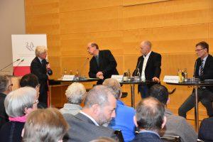 Extremismus und Radikalismus in Deutschland sind real. Was können Sicherheitsbehörden und Politik dagegen tun?