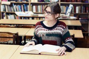 Eltern sind dazu verpflichtet, ihren Kindern ein Studium oder eine Ausbildung zu finanzieren, auch wenn diese lange dauern.