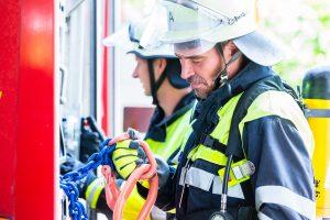 Normalerweise muss ein Ehrenamt in der Freizeit ausgeübt werden. Technisches Hilfswerk, Feuerwehr und Katastrophenschutz bilden Ausnahmen.