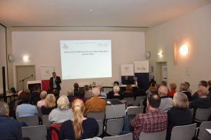 Auf dem Erbrechtstag der Schleswig-Holsteinischen Rechtsanwaltskammer wurde unter anderem die Erbfolge erklärt.
