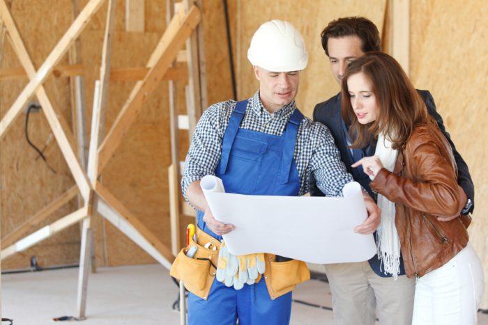 Bauherren und Bauunternehmer müssen sich gut abstimmen.