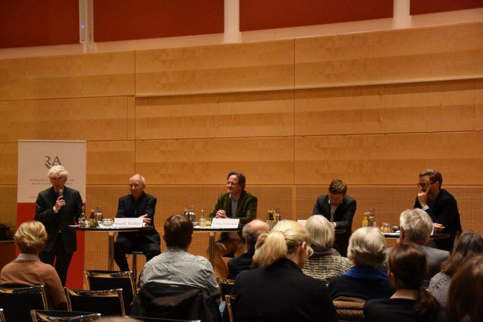 Die Schleswig-Holsteinische Rechtsanwaltskammer veranstaltet am 27.11. eine Podiumsdiskussion im Kieler Landtag. Thema: Die Erosion des Rechtsstaats.